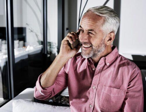 Un teléfono inalámbrico para que personas sordas oigan mejor